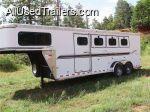28ft Sundowner Horse Trailer - used 2003 4 horse slant & sleeping quarters
